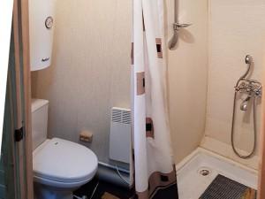 Домик рыбака - комната Домик рыбака - комната Домик рыбака - санузел и душ